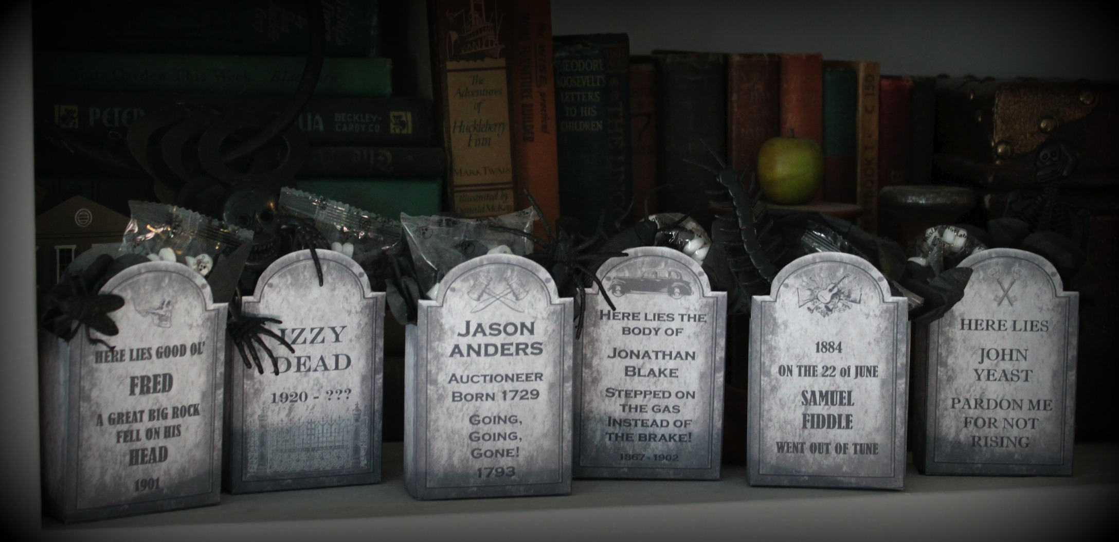 Death by Candy – Tombstone Favors | The Life of the Party